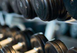 Zegarki fit pozwalają monitorować codzienną aktywność
